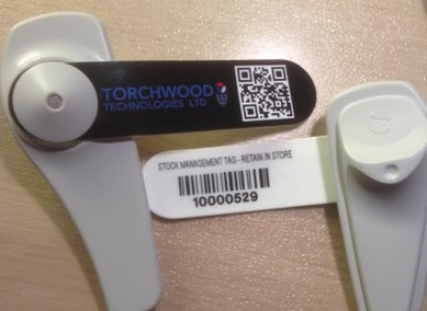 Retail RFID clothing tags